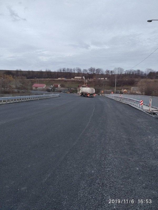 """На ділянці дороги """"тещин язик"""" завершили ремонт мосту, фото-1"""