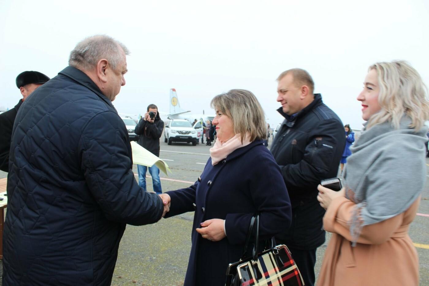 """Кам'янеччина отримала легкові авто """"Renault DUSTER"""" для сільських амбулаторій, фото-14"""