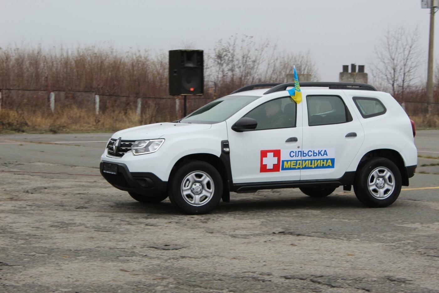 """Кам'янеччина отримала легкові авто """"Renault DUSTER"""" для сільських амбулаторій, фото-27, Фото: Хмельницька ОДА"""