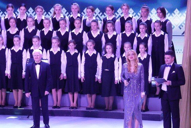 """У Кам'янці хорова капела """"Журавлик"""" відсвяткувала  своє 40-річчя , фото-4, Фото: Міська рада"""