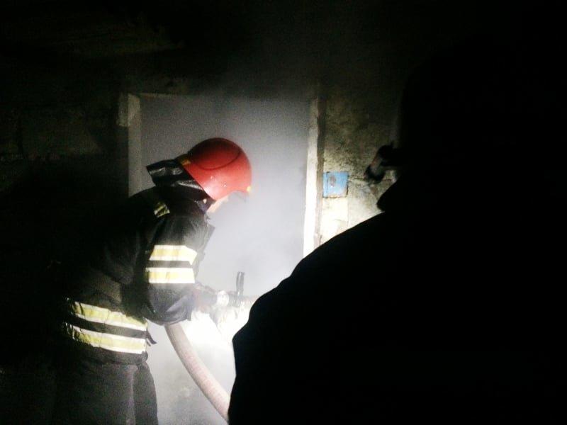 """На Кам'янеччині рятувальники ліквідували пожежу в селі Пудлівці, фото-2, Фото: """"Служба порятунку 101 Кам'янець-Подільський"""""""
