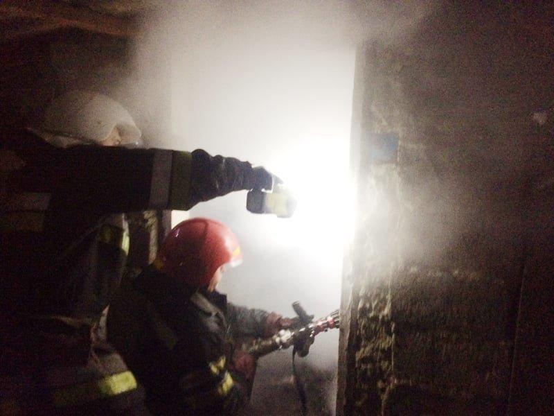 """На Кам'янеччині рятувальники ліквідували пожежу в селі Пудлівці, фото-3, Фото: """"Служба порятунку 101 Кам'янець-Подільський"""""""