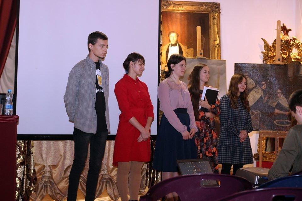 У Кам'янці студенти відреставрували 11 старовинних картин, фото-3, Фото: Кам'янець-Подільський державний історичний музей-заповідник