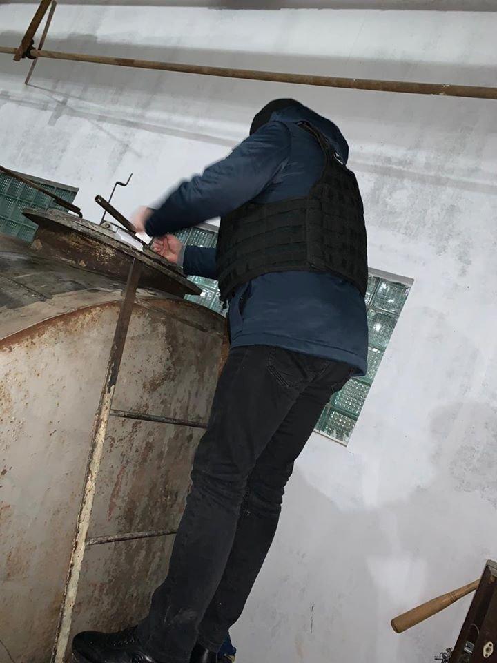 У Кам'янці-Подільському виявили незаконну АЗС, фото-1, Фото: Територіальні орагни ДФС у Хмельницькій області