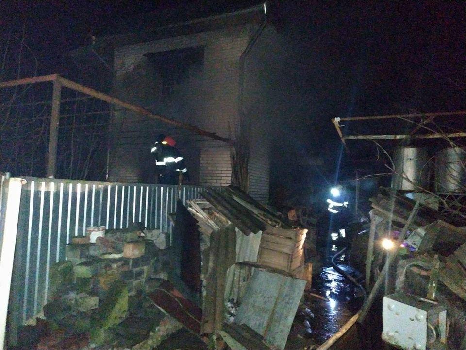"""На Кам'янеччині врятували житловий будинок від знищення вогнем, фото-2, Фото: """"Служба порятунку 101 Кам'янець-Подільський"""""""