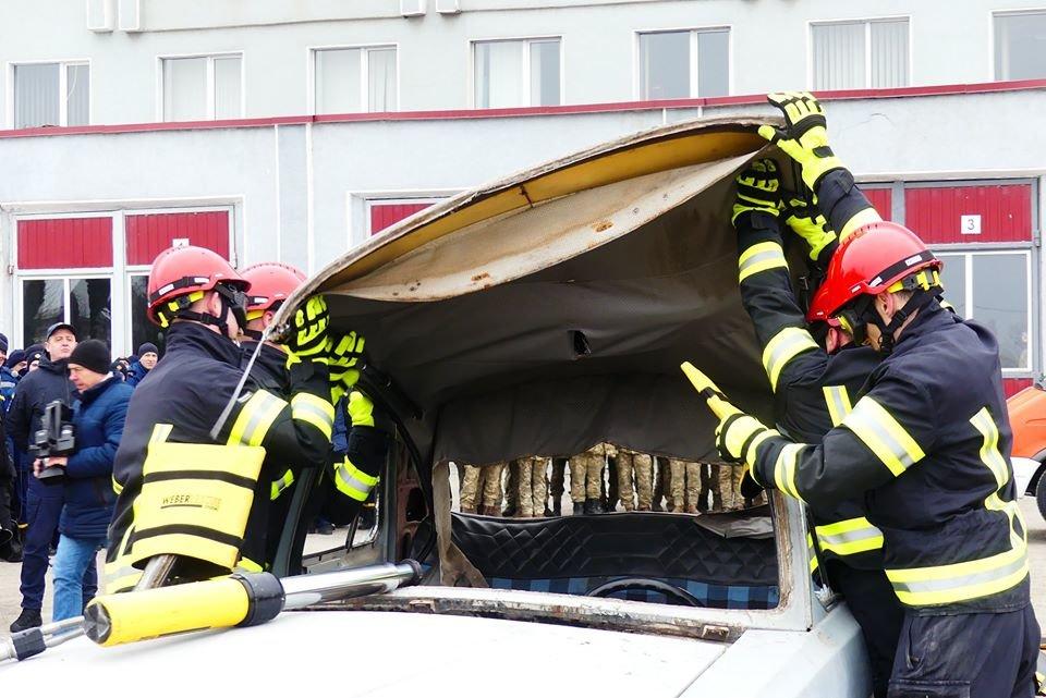 """У кам'янецьких рятувальників оновлення автопарку, фото-8, Фото: """"Служба порятунку 101 Кам'янця-Подільського"""""""