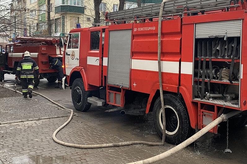 """У Кам'янці-Подільському приборкали вогонь у житловому будинку , фото-1, Фото: """"Служба порятунку 101 Кам'янець-Подільський"""""""