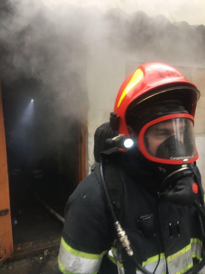 """У Кам'янці-Подільському приборкали вогонь у житловому будинку , фото-2, Фото: """"Служба порятунку 101 Кам'янець-Подільський"""""""