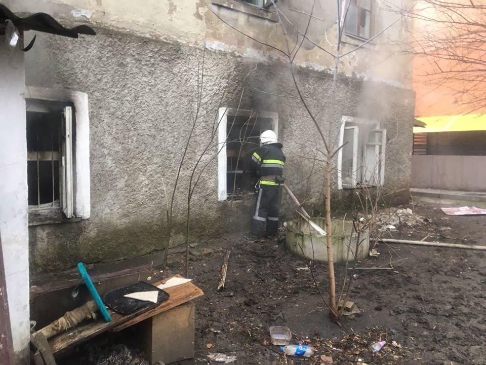 """У Кам'янці-Подільському приборкали вогонь у житловому будинку , фото-3, Фото: """"Служба порятунку 101 Кам'янець-Подільський"""""""