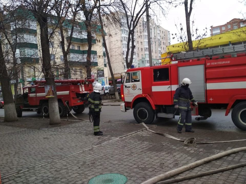 """У Кам'янці-Подільському приборкали вогонь у житловому будинку , фото-4, Фото: """"Служба порятунку 101 Кам'янець-Подільський"""""""