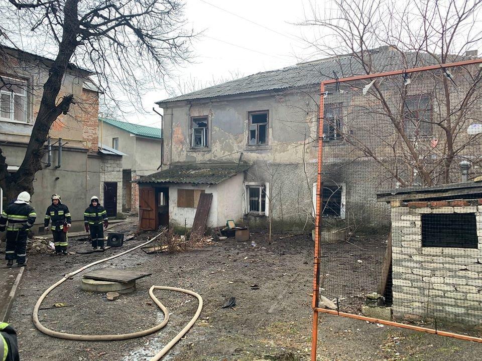 """У Кам'янці-Подільському приборкали вогонь у житловому будинку , фото-8, Фото: """"Служба порятунку 101 Кам'янець-Подільський"""""""