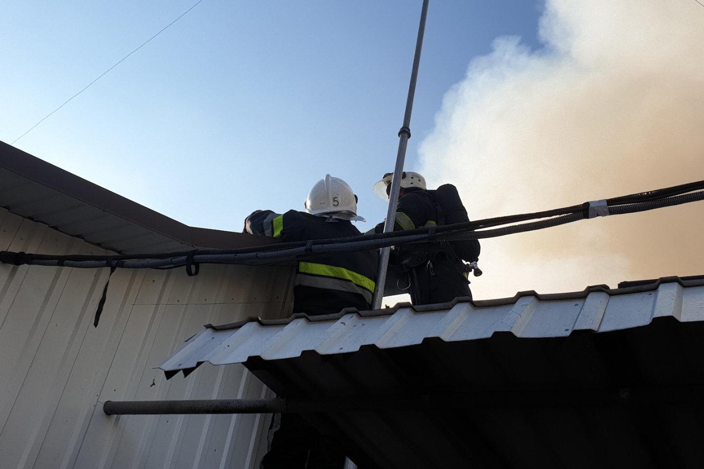 На Кам'янеччині під загрозу вогню потрапив житловий будинок, фото-1, Фото: ГУ ДСНС України у Хмельницькій області