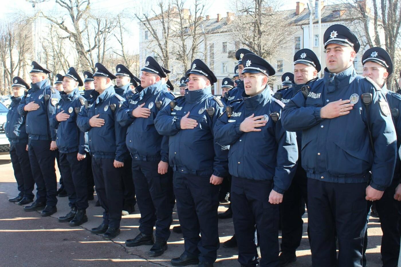 Поліцейські офіцери громади Кам'янеччини отримали службові автомобілі, фото-12, Фото: Хмельницька ОДА