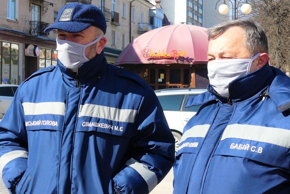 У Кам'янці-Подільському підприємець передав 10 тисяч гривень на боротьбу з коронавірусом, фото-4, Фото: Михайло Сімашкевич, Фейсбук