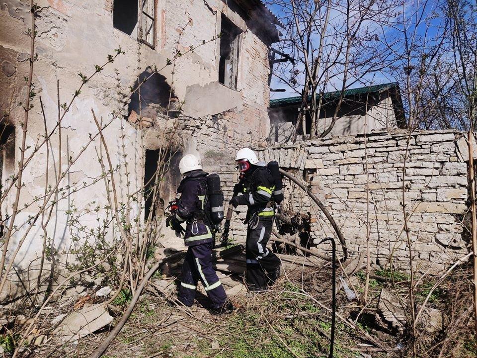 У Кам'янці рятували від вогню приватний житловий будинок, фото-2, Фото: ГУ ДСНС України у Хмельницькій області