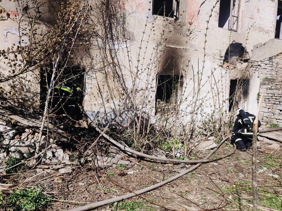 У Кам'янці рятували від вогню приватний житловий будинок, фото-3, Фото: ГУ ДСНС України у Хмельницькій області