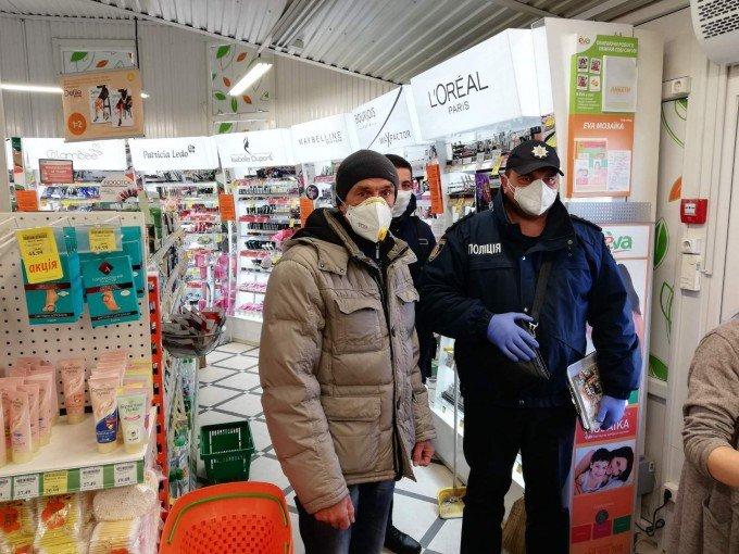 У Кам'янці-Подільському та районі проводять профілактичну роботу в закладах торгівлі, фото-4