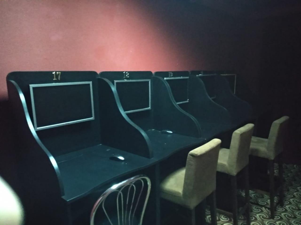 У Кам'янці-Подільському викрили підпільний гральний заклад, фото-1