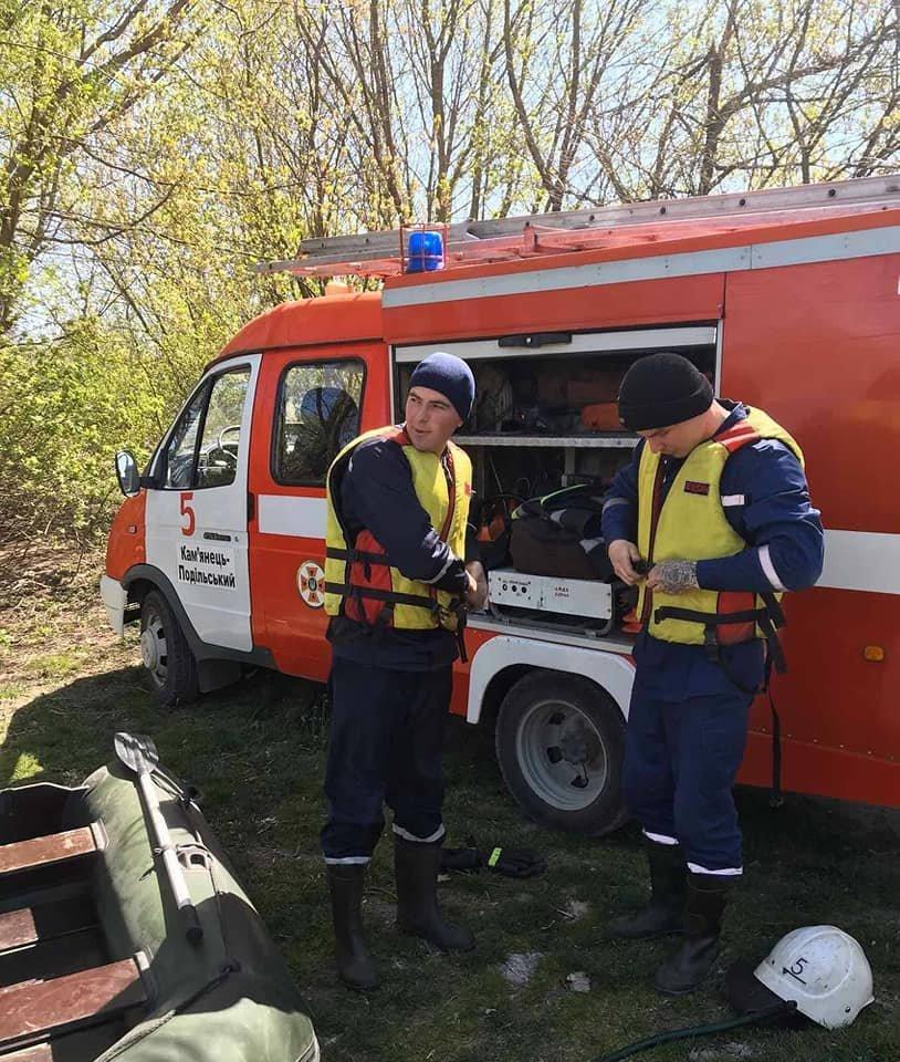 """У річці Дністер рятувальники знайшли тіло пенсіонера, фото-1, Фото: """"Служба порятунку 101 Кам'янець-Подільський"""""""