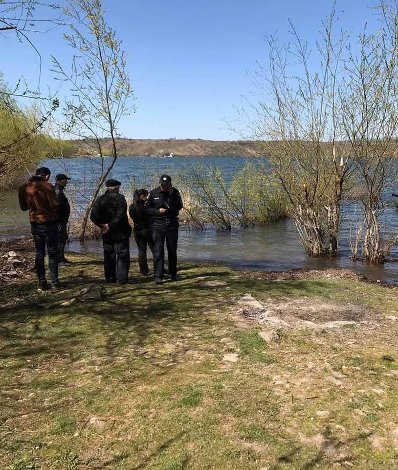 """У річці Дністер рятувальники знайшли тіло пенсіонера, фото-2, Фото: """"Служба порятунку 101 Кам'янець-Подільський"""""""