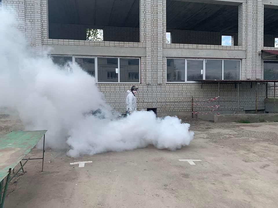 У Кам'янці-Подільському проводиться дезінфекція парогенератором, фото-1, Фото: Михайло Сімашкевич, Фейсбук