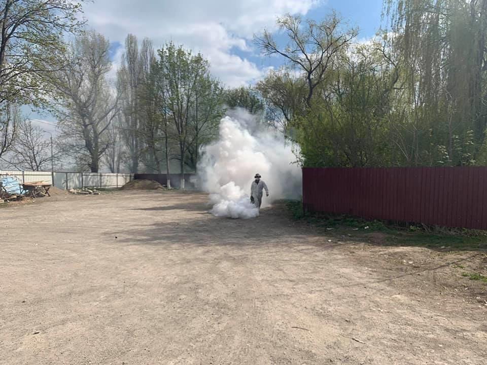 У Кам'янці-Подільському проводиться дезінфекція парогенератором, фото-4, Фото: Михайло Сімашкевич, Фейсбук
