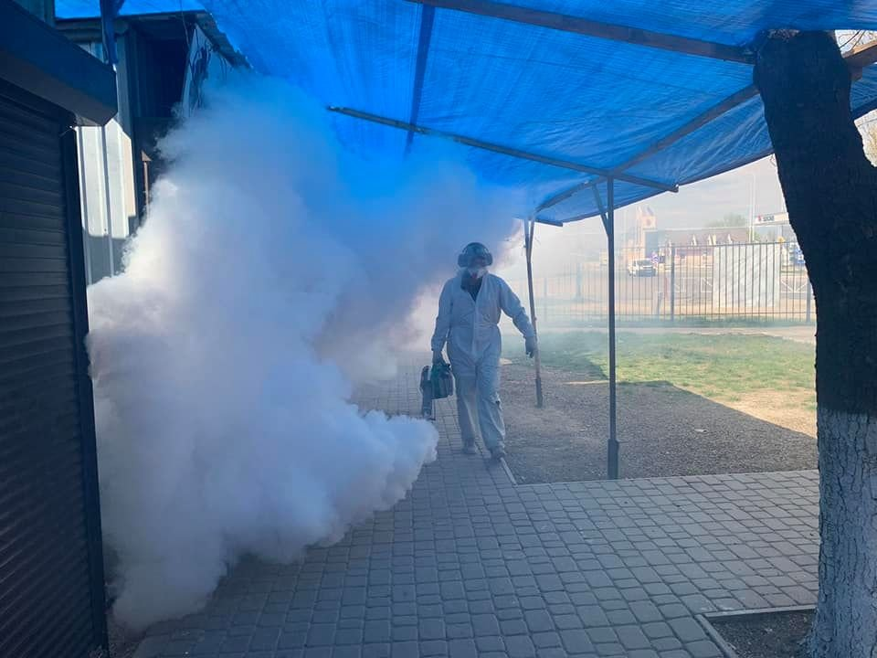 У Кам'янці-Подільському проводиться дезінфекція парогенератором, фото-8, Фото: Михайло Сімашкевич, Фейсбук