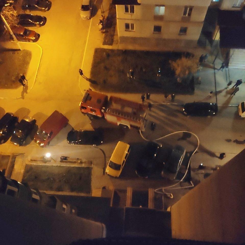"""У Кам'янці-Подільського сталась пожежа у багатоповерховому будинку, фото-2, Фото: """"Служба порятунку 101 Кам'янець-Подільський"""""""