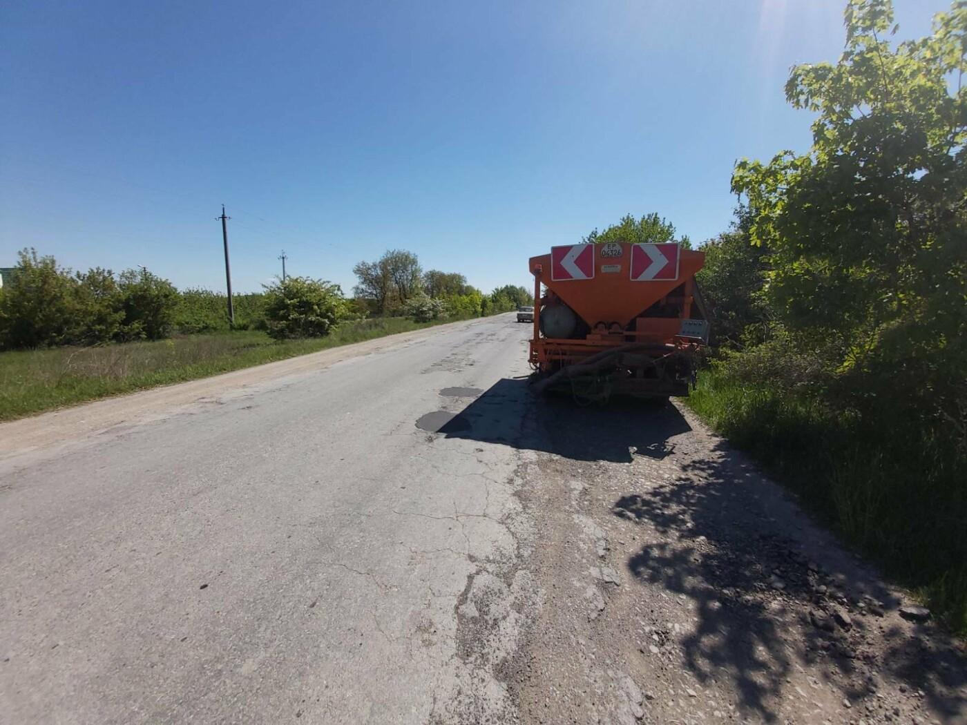 До літа завершать ремонт дороги від Кам'янця-Подільського до Старої Ушиці, фото-1