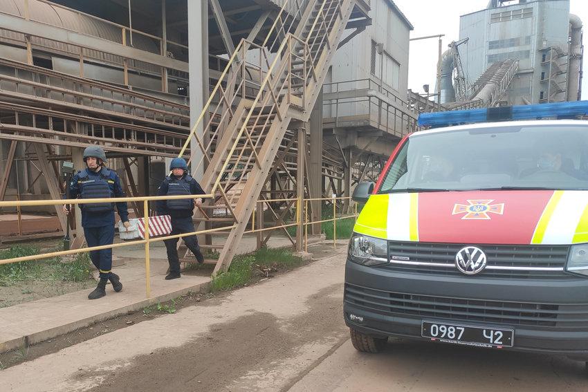У Кам'янці-Подільському ледь не вибухнув цементний завод, фото-6, Фото: ГУ ДСНС України  у Хмельницькій області