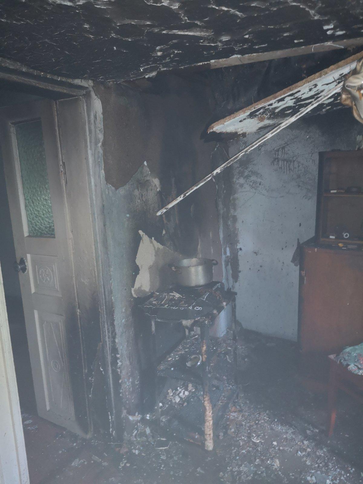 На Кам'янеччині ліквідовували пожежу житлового будинку , фото-1
