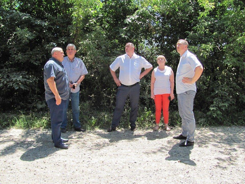 На Кам'янеччині працювала мобільна робоча група з вивчення стану доріг , фото-1