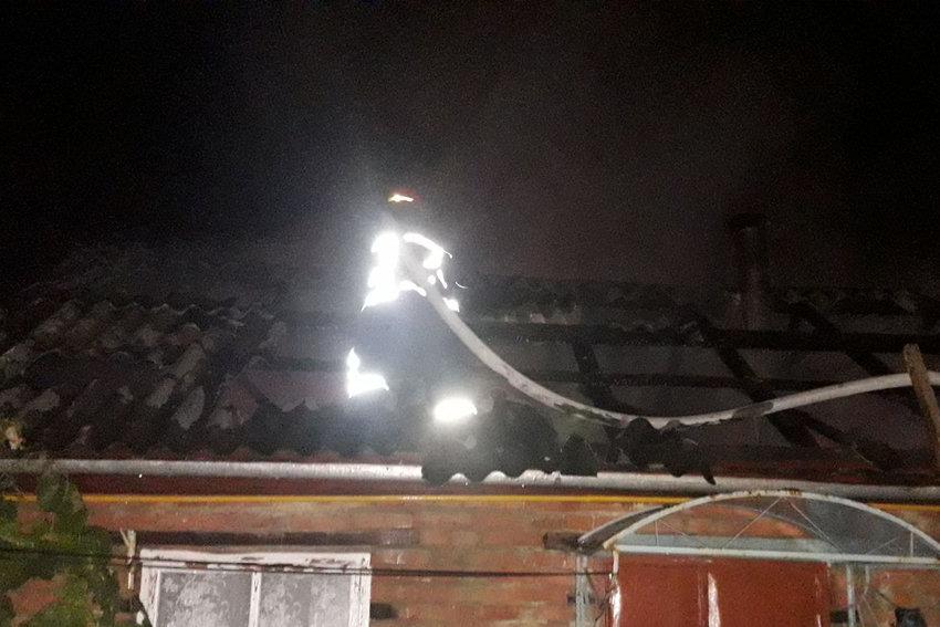 Несправна електрика спричинила пожежу у селі Довжок, фото-1