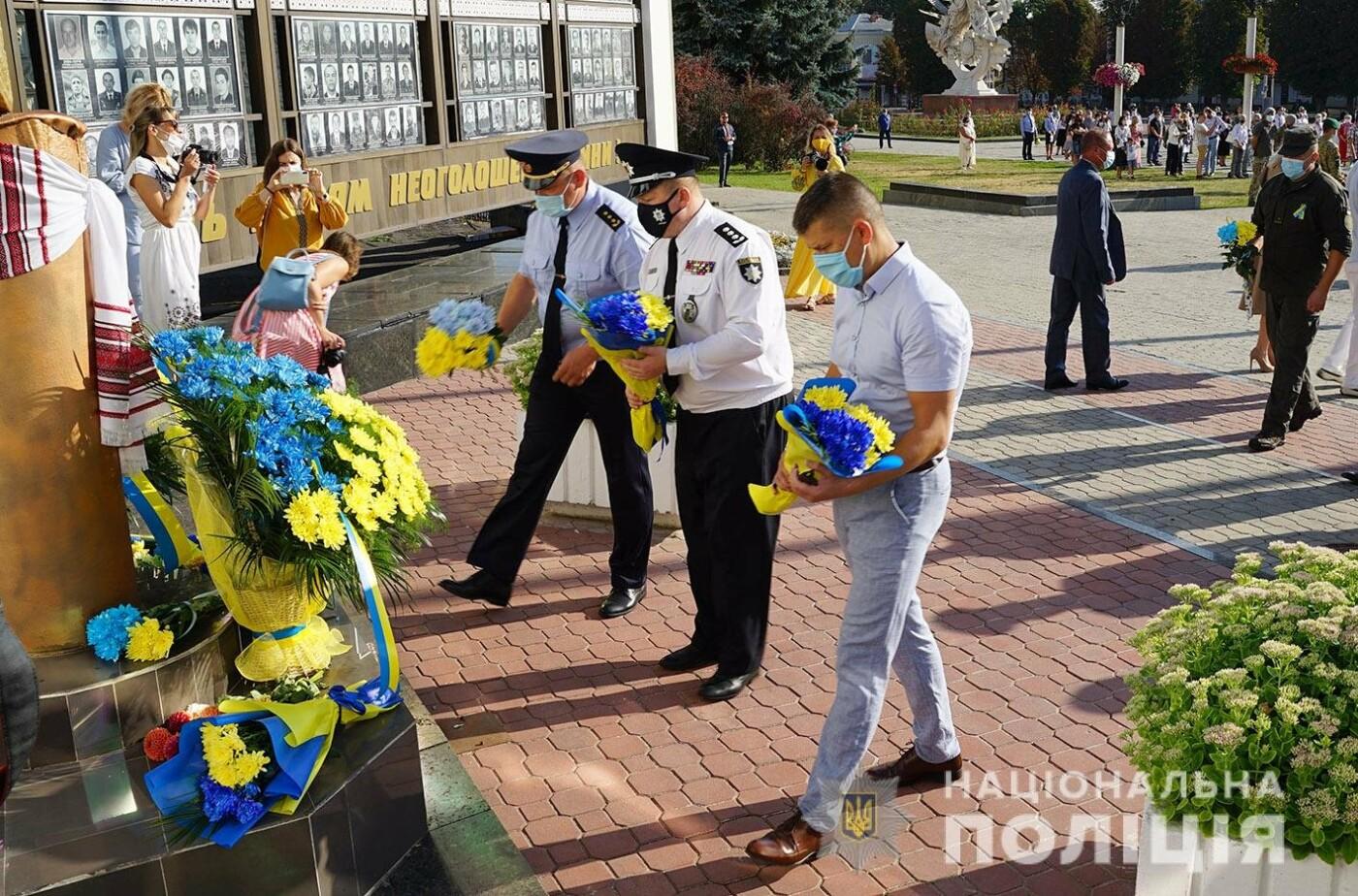 Поліцейські Кам'янець-Подільського району отримали новий службовий автомобіль, фото-2