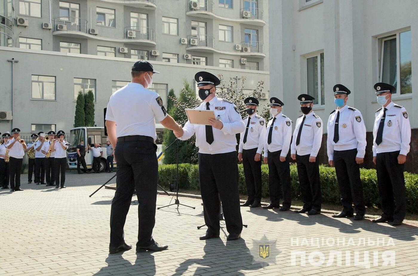 Поліцейські Кам'янець-Подільського району отримали новий службовий автомобіль, фото-6