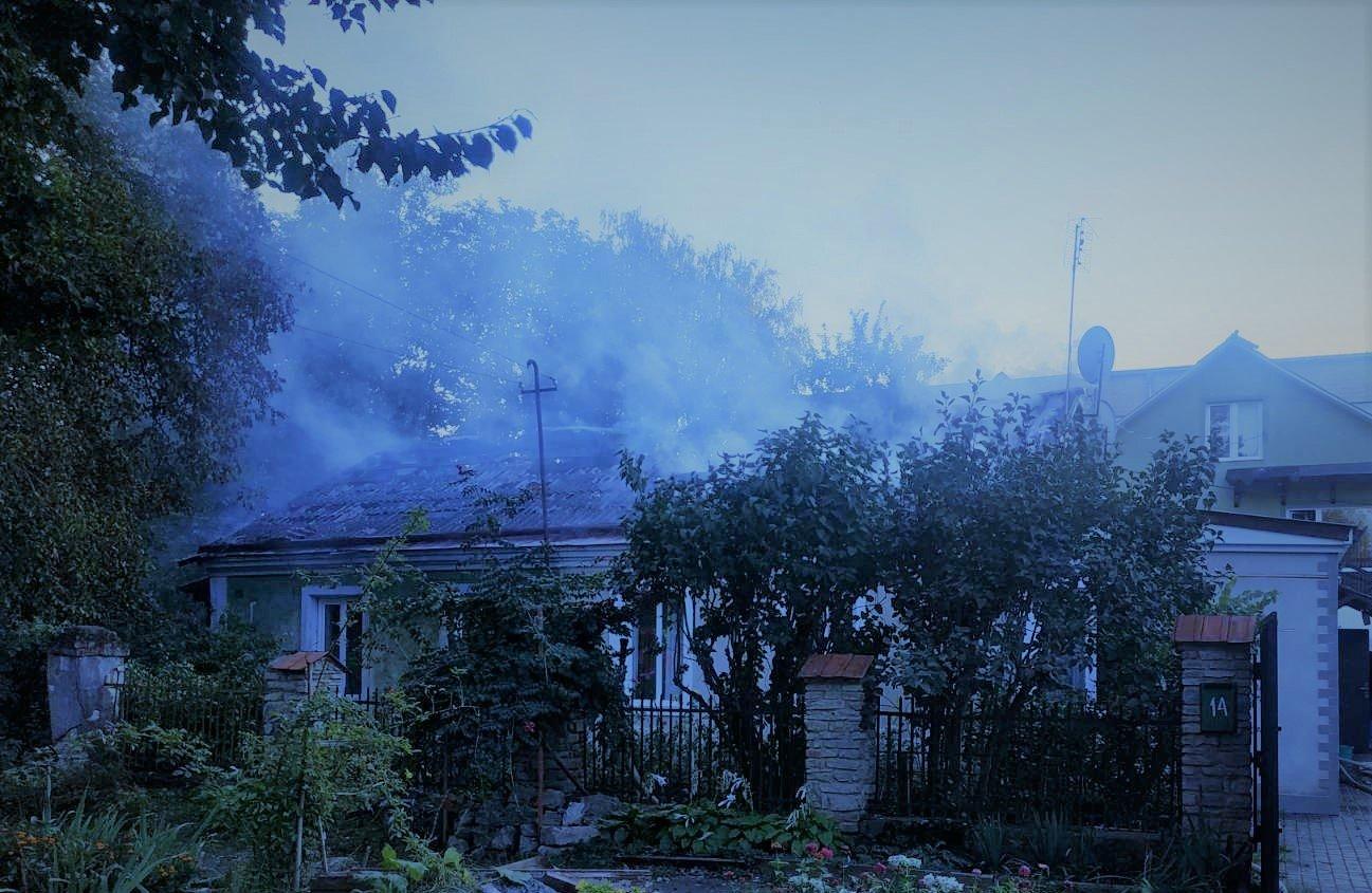 У Кам'янці-Подільському ліквідовували пожежу в приватному секторі, фото-2, Фото: ГУ ДСНС України у Хмельницькій області