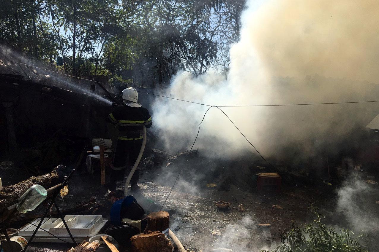 На Кам'янеччині рятувальники приборкали пожежу житлово..., фото-1, Фото: 2 Державний пожежно-рятувальний загін ГУ ДСНС України у Хмельницькій області