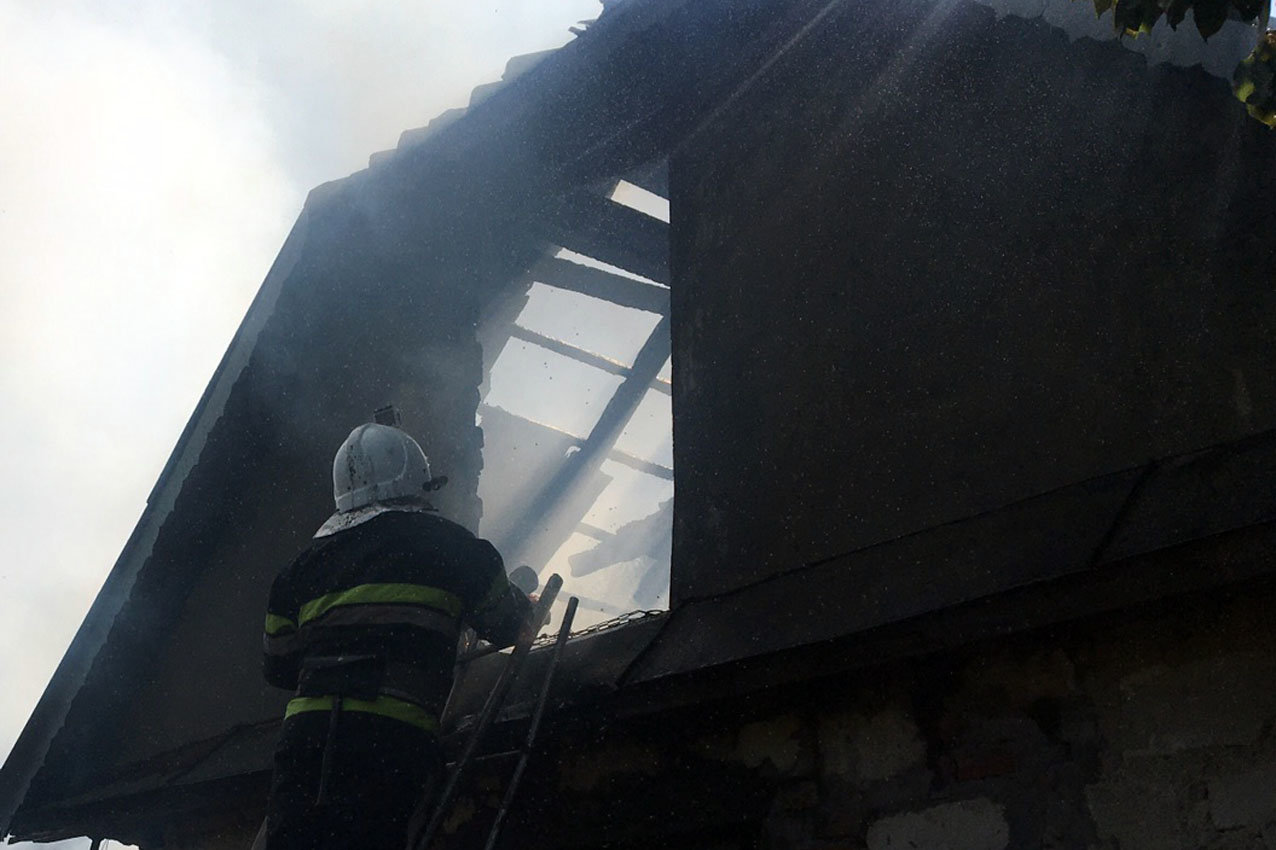 На Кам'янеччині рятувальники приборкали пожежу житлово..., фото-2, Фото: 2 Державний пожежно-рятувальний загін ГУ ДСНС України у Хмельницькій області