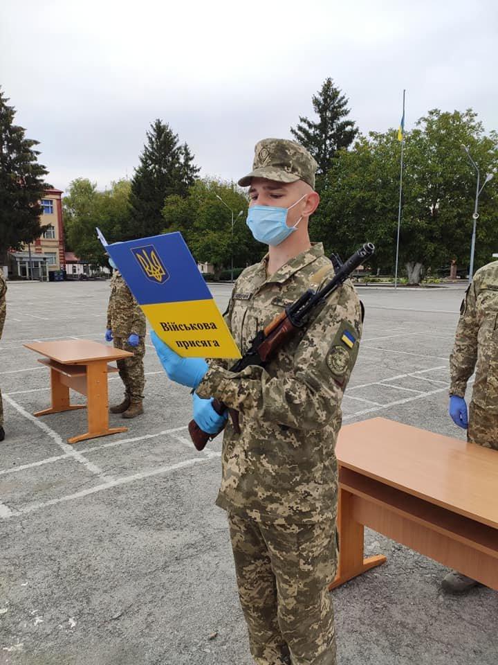 У Кам'янці-Подільському 16 військових контрактників склали присягу, фото-1, Фото: 201 Навчальний Центр
