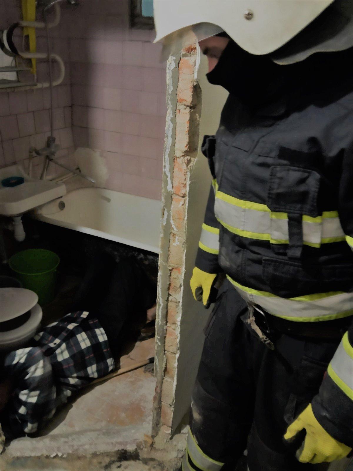 """80-річний чоловік потребував допомоги, Фото: """"Служба порятунку 101 Кам'янець-Подільський"""""""