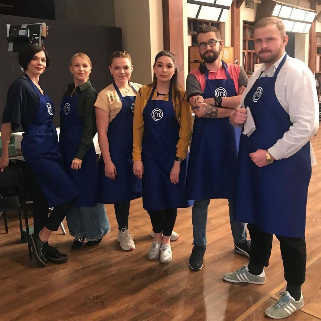 """Аліна Матвійчук з учасниками проєкту, Фото: """"СТБ"""""""
