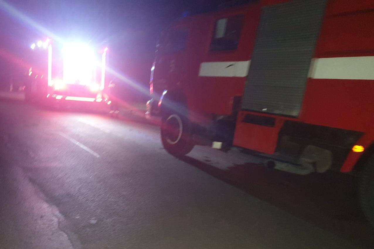 """Пожежа у квартирі дев'ятиповерхового житлового будинку, Фото: """"Служба порятунку 101 Кам'янець-Подільський"""""""