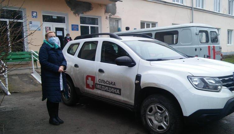 """Автомобілі """"Renault DUSTER dCi 110 4WD"""" для ОТГ, Фото: Кам'янець-Подільська РДА"""