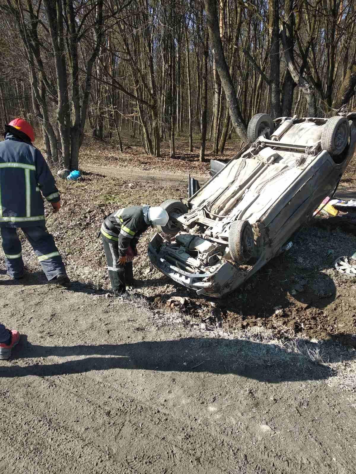 """Аварія поблизу села Абрикосівка, фото-1, Фото: """"Служба порятунку 101 Кам'янець-Подільський"""""""