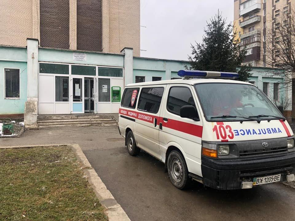 Патрульні Кам'янця-Подільського врятували чоловіка, в якого стався інсульт, фото-1, Фото: Кам'янець-Подільське районне управління поліції