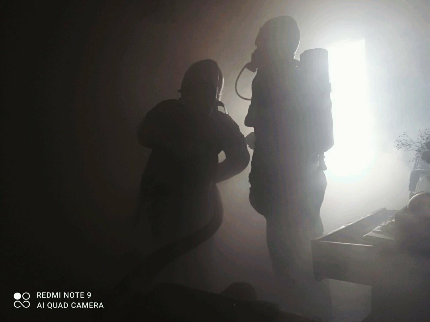 """Пожежа у Кам'янці-Подільському, Фото: """"Служба порятунку 101 Кам'янець-Подільський"""""""