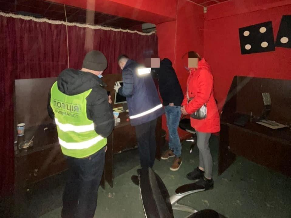 У Кам'янці-Подільському припинили діяльність грального закладу, фото-2