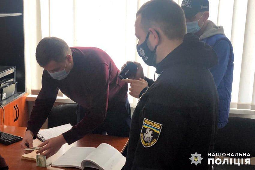 На Кам'янеччині водія було викрито на спробі підкупу працівника поліції  , фото-1