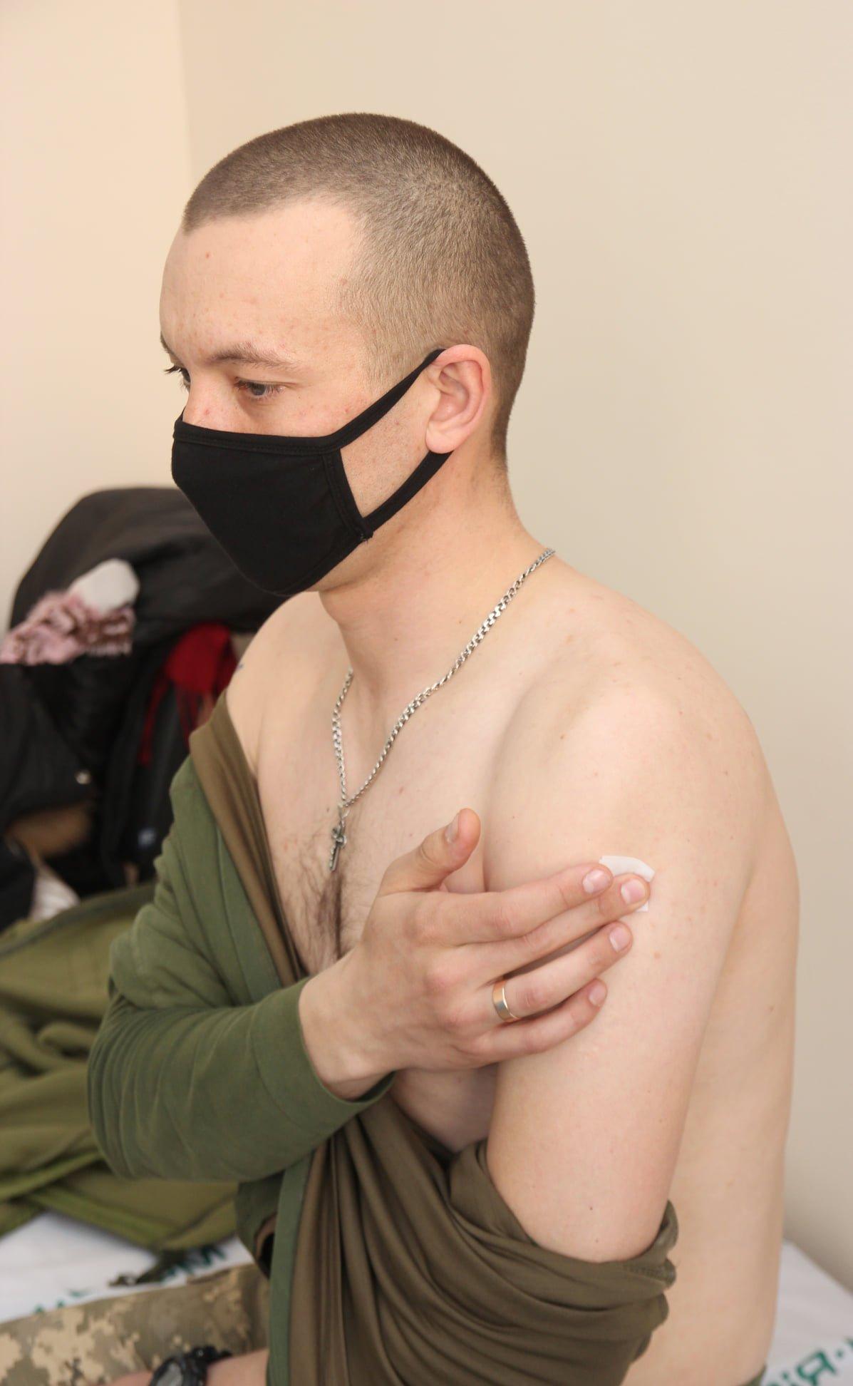 У Кам'янці-Подільському триває вакцинація військовослужбовців, фото-1