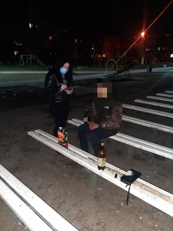 На Черемушках виявили неповнолітніх, які розпивали алкоголь, фото-1